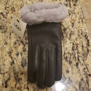 UGG AUSTRALIA LEATHER GLOVES